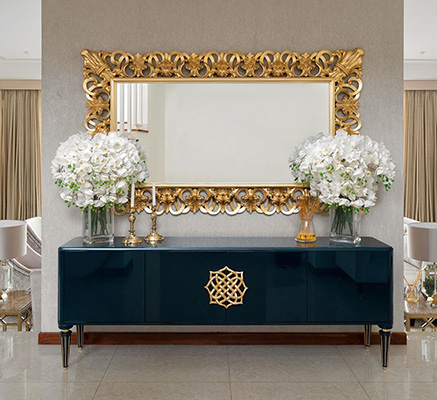 Discover how to use decorative mirrors that are also functional