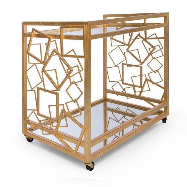 Descrição da imagem: Carrinho de chá vintage da Innova luxury group em metal dourado e espelho.